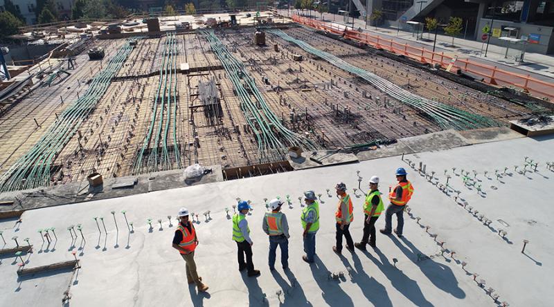 Hombres en construcción