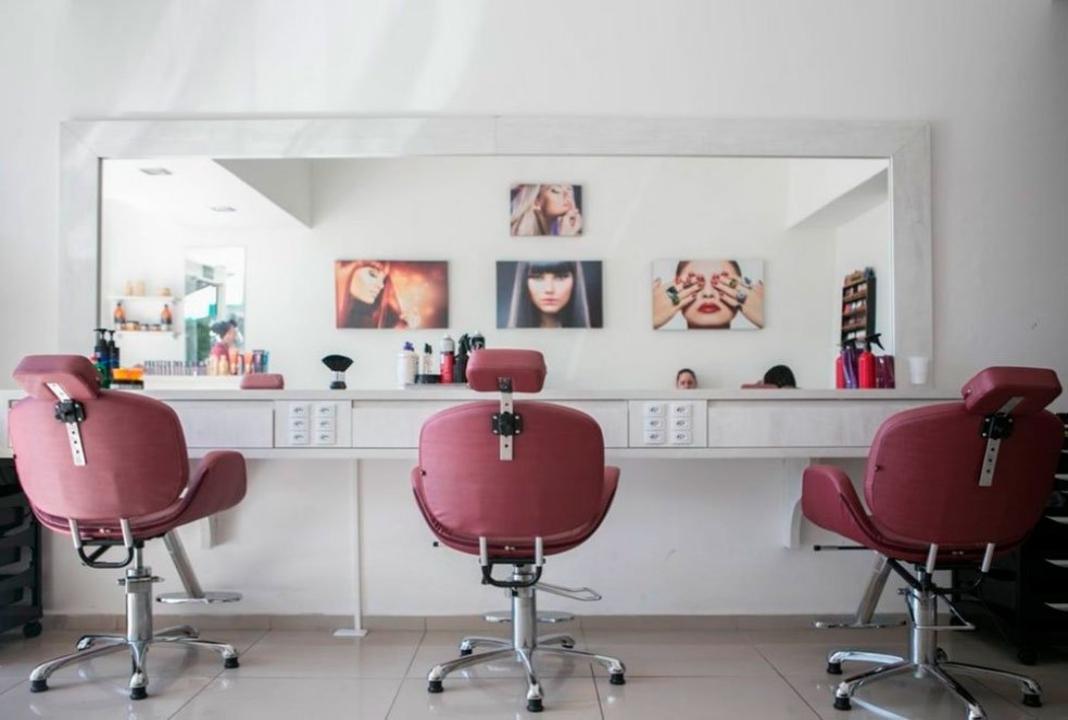 salon de belleza rosado
