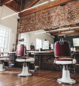 barberia con colores rojos